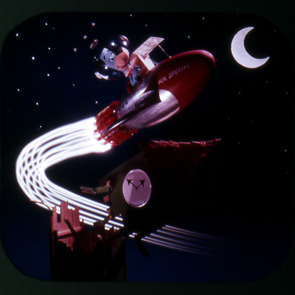 Frame from View-Master reel, Huckleberry Hound Lands on the Moon, © 1960 Hanna-Barbera Productions